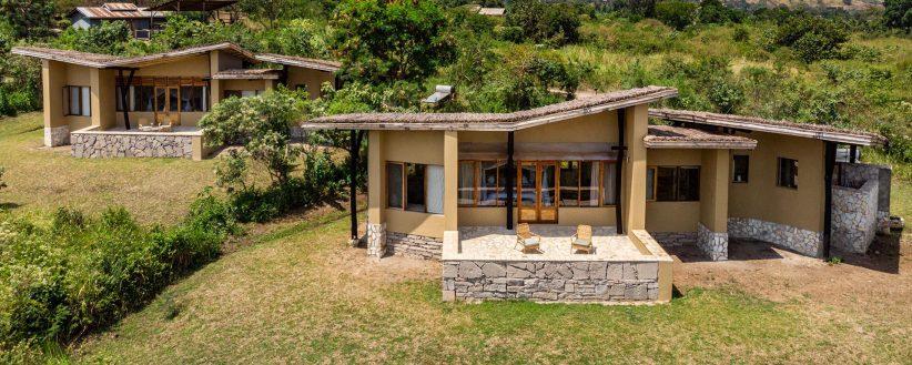 Banner Kyambura Gorge Lodge Exterior